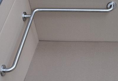 calvarro-barra-baño-en-ángulo2